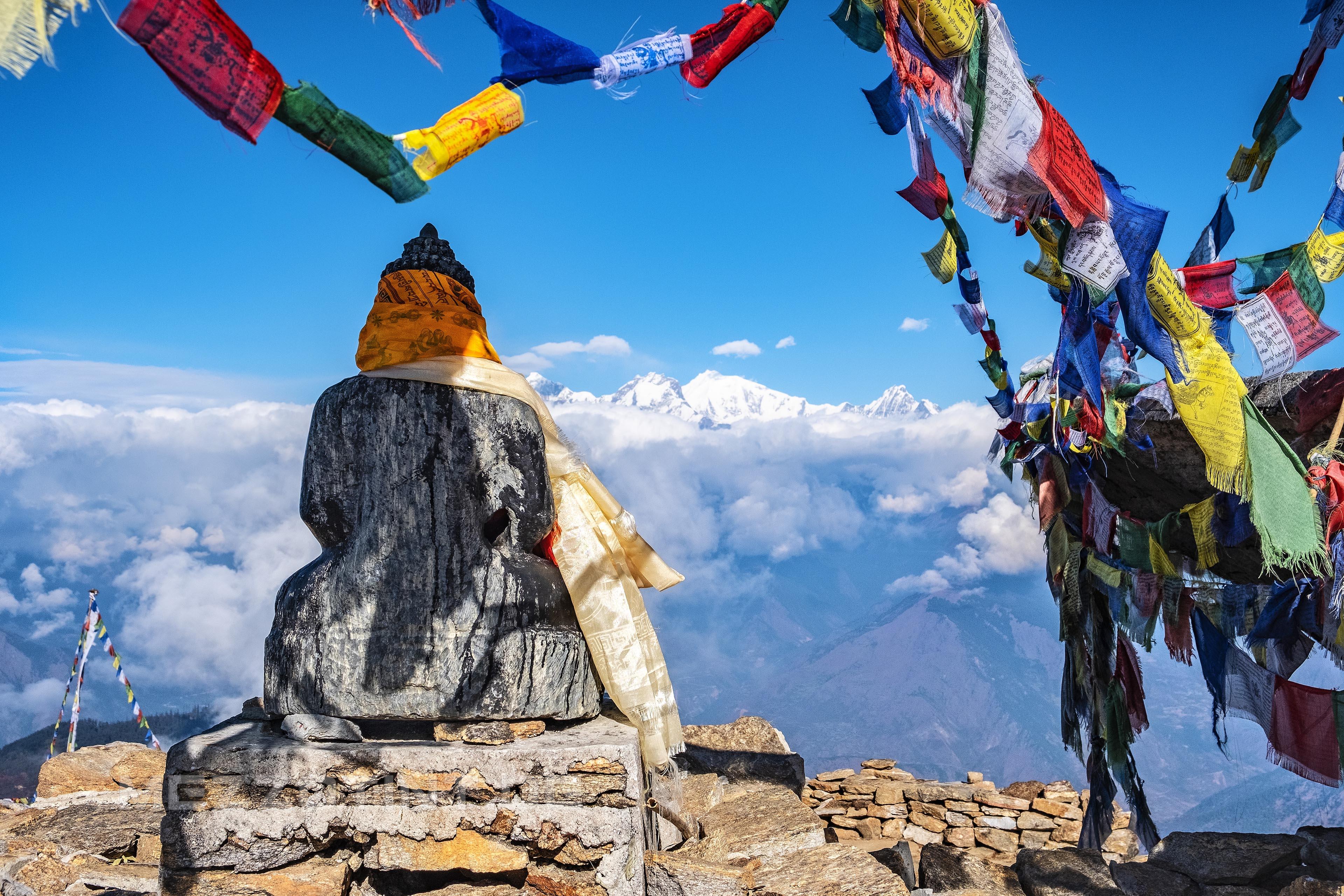 nepal gosainkunda buddha
